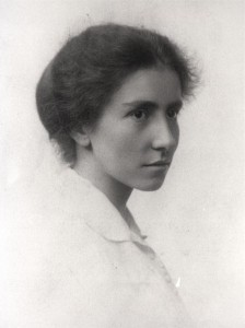Image of Dorothy Garrod from Newnham College, Cambridge: http://www.newn.cam.ac.uk/about-newnham/college-history/history/content/dorothy-garrod
